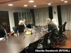 Dunje Mijatović sa gradonačlnikom Bihaća Šuhretom Fazlićem i saradnicima