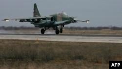 Российский бомбардировщик Су-25. Иллюстативное фото.