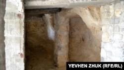 Рукотворная колонна в Храме преподобного Саввы Освященного