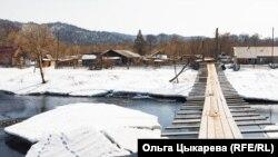 Навесной мост в деревне Гвасюги