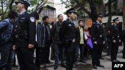 Полиция у здания суда