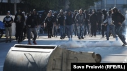 Huligani tokom prve Parade ponosa u Podgorici, 20. oktobar 2013.