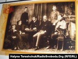 Митрополит Андрей Шептицький із родиною (архівне фото)