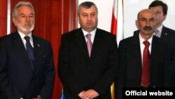 Мурат Джиоев (справа)
