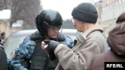 Оппозиция предвидит осложнения с милицией, но это ее не останавливает