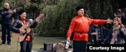 """Кадр из фильма Сергея Лозницы """"День победы"""""""