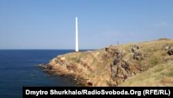 Остов вітроелектостанції острові Зміїний