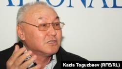 """""""Правда Казахстана"""" газетінің редакторы Шәріп Құрақбай."""