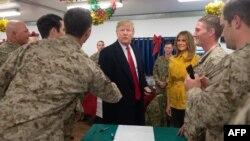 Дональд и Мелания Трамп посещают военных США в Ираке, 26 декабря 2018 года