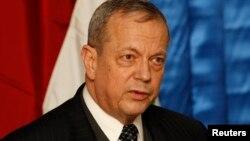 I dërguari i posaçëm i Shteteve të Bashkuara në koalicionin global për luftën kundër militantëve të Shtetit Islamik (IS), gjenerali i pensionuar i marinës, John Allen.