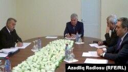 Ziya Məmmədov Qubada vətəndaşları qəbul edir - 2013