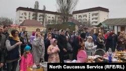 Пасхальная служба в храме в Грозном. В этот день здесь собирается максимальное число прихожан.