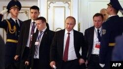 Президент Росії Володимир Путін під час переговорів у Мінську. 12 лютого 2015 року