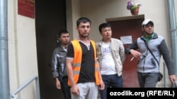 Uzbek migrant workers in Moscow. (file photo)