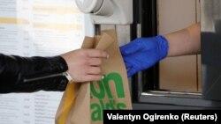 Reguli stricte de igienă în Ucraina, ca urmare a pandemiei de coronavirus.