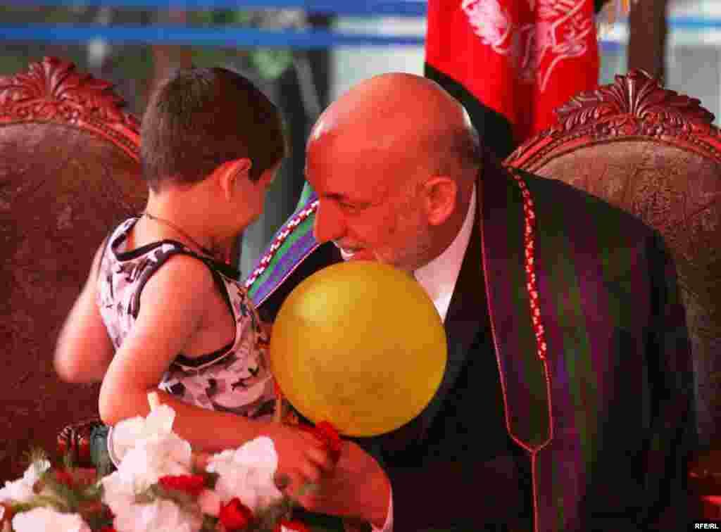 Predsednički kandidat Hamid Karzai