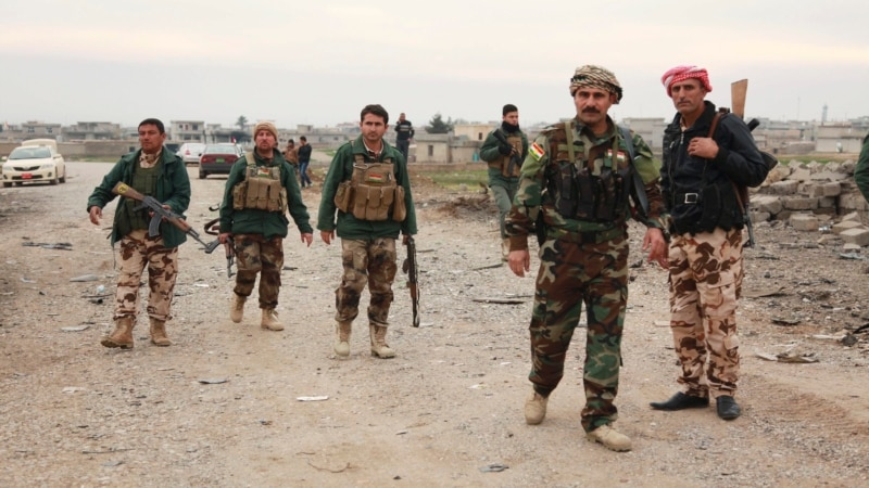 В Ираке курды прорвали оцепление боевиков в районе Синджара