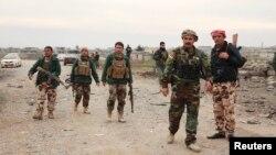 ИМ-мен соғысып жатқан Ирак әскері. (Көрнекі сурет)