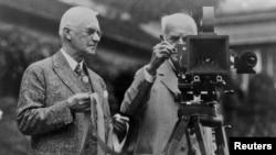 """Основатель компании """"Кодак"""" Джордж Истмен с изобретателем Томасом Эдисоном"""