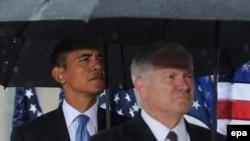 АКШ президенти Барак Обама жана коргоо министри Роберт Гейтс Нью-Йорктогу жыйын маалында. Сентябрь, 2009-ж.