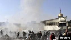 Кабулдегі шииттердің мешітінде жарылыс болған сәт. Ауғанстан, Кабул, 6 желтоқсан 2011 жыл.