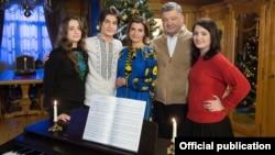 Рождественская фотография семьи Порошенко.