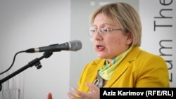 Azerbaijani human rights activist Leyla Yunus was arrested with her husband in August, and they are being held in pretrial detention on charges of high treason and other crimes.