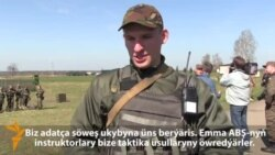 Ukraina: Goşun tälim alýar
