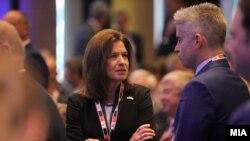 """Архивска фотографија - Американската амбасадорка Брнс, на Самитот на """"Економист"""" во Скопје"""
