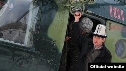 Омурбек Бабанов во время посещения Нарынской области, 29 марта
