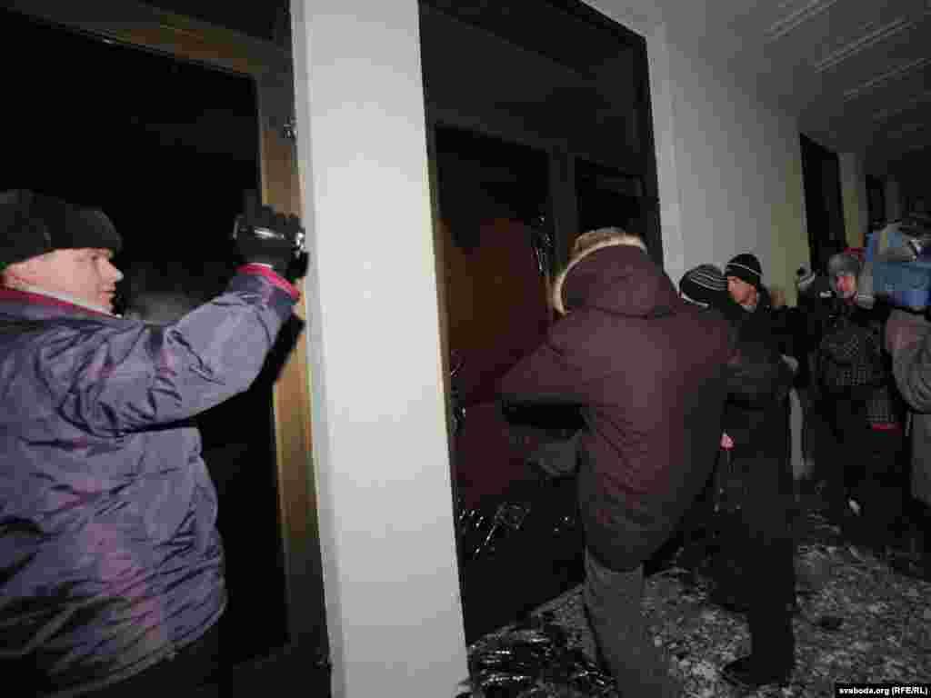 У Мінську в день виборів президента Білорусі відбулися сутички опозиції і правоохоронців