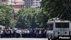 Armenia -- Employees of a betting company block Marshal Bagramian Avenue in Yerevan in protest against new restrictions on betting and gambling, May 29, 2019.