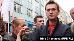 """Алексей Навальный участвовал в """"Марше миллионов"""" на проспекте Сахарова в 2012 году"""