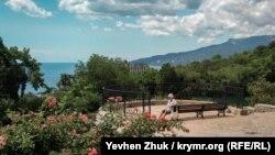 Никитский сад под июльским солнцем (фотогалерея)