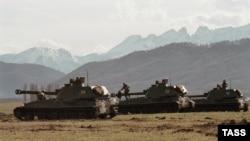 Ռուսաստանյան զինուժին պատկանող տանկեր՝ Վլադիկավկազի մատույցներում, արխիվ