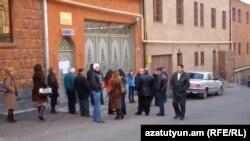 ՌԴ «Հայրենակիցներ» ծրագրին դիմելու է եկել մարդկանց հերթական խումբը, Երևան, արխիվ