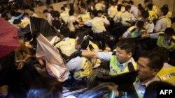 Сутички протестувальників із поліцією Гонконга, 15 жовтня 2014 року