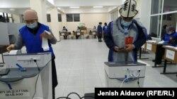 انتخابات ریاست جمهوری و همهپرسی در قرغیزستان
