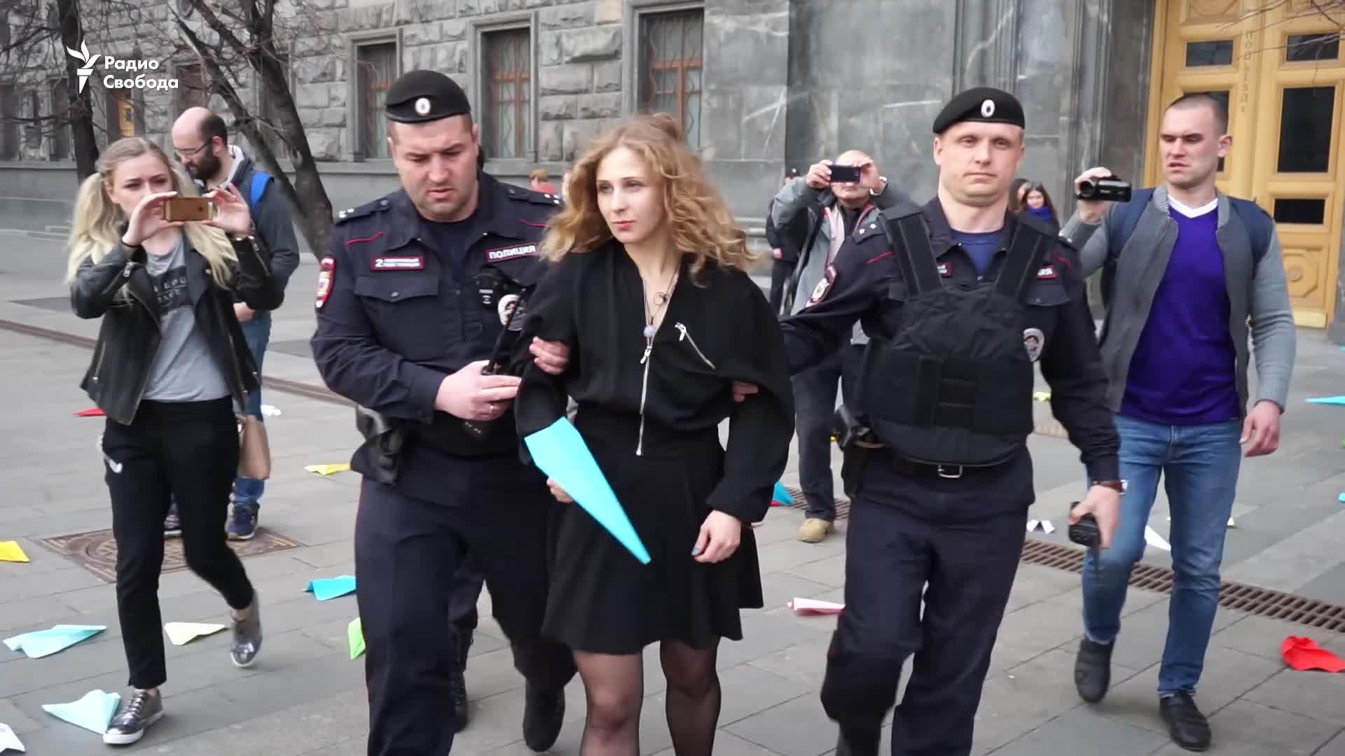Суд приговорил к социальным работам активистку Pussy Riot, поддержавшую Telegram