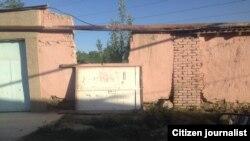 Ворота, которые насмерть задавили 12-летнего Жонибека Хамракулова.