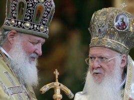 Патриарх Кирилл во время встречи с Патриархом Константинопольским Варфоломеем в 2010 году