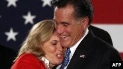 """По мнению наблюдателей Энн Ромни """"смягчает"""" образ кандидата от Республиканской партии."""