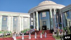 DIM-iň uniwersitetiniň täze binasynyň açylyş dabarasy, Aşgabat, 1-nji sentýabr, 2011 ý.