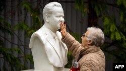 Statua Slobodana Miloševića