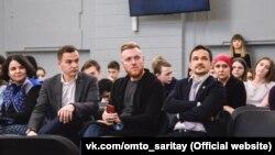 Форумда катнашучылар, сулдан: Тәбрис Яруллин, Илгиз Шәйхразиев, Айдар Булатов