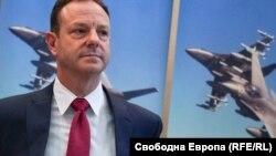 Джъстин Фридман, шарже д'афер на САЩ в България