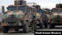 Турецкий военный конвой в сирийской провинции Идлиб. 11 февраля 2020 года.