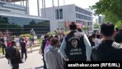 Stambul. Migrantlaryň protesti. Arhiw suraty
