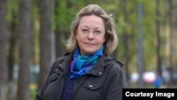 Russia – Olga Shirnina, a Russian colorist. Date unknown.