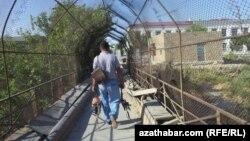Türkmenistan: aýlap berilmeýan aýlyklar
